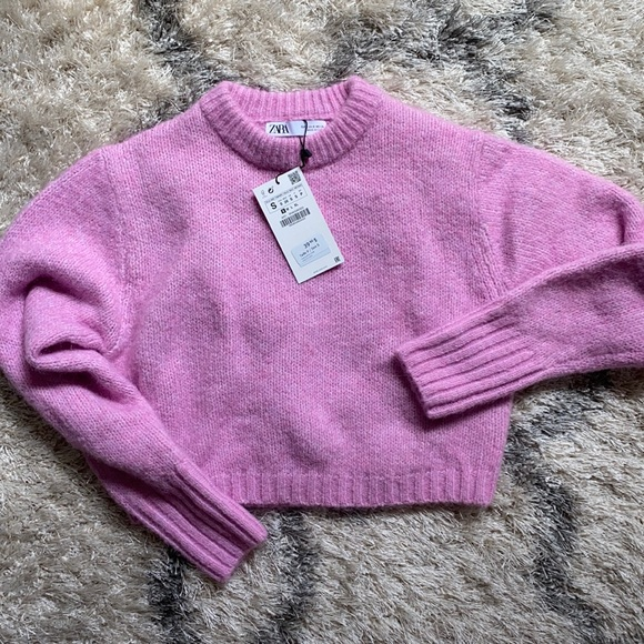 ZARA cropped knit sweater
